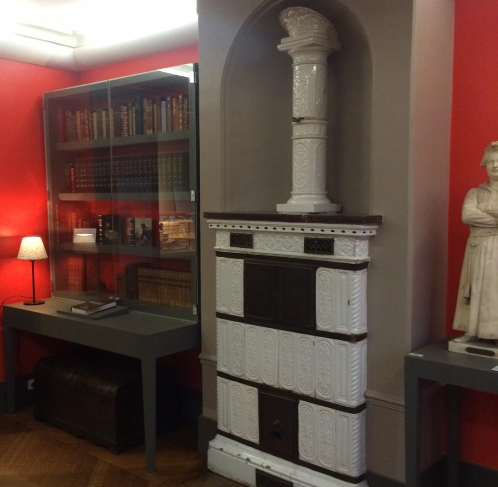 Balzac's library.jpg